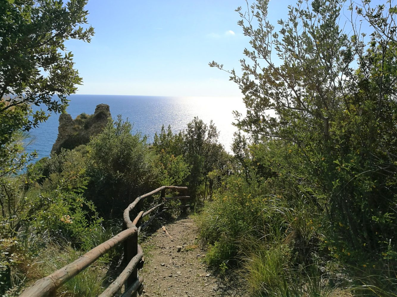 Sentiero degli innamorati ascea marina punta del telegrafo vista torre saracena il cilentano cilento