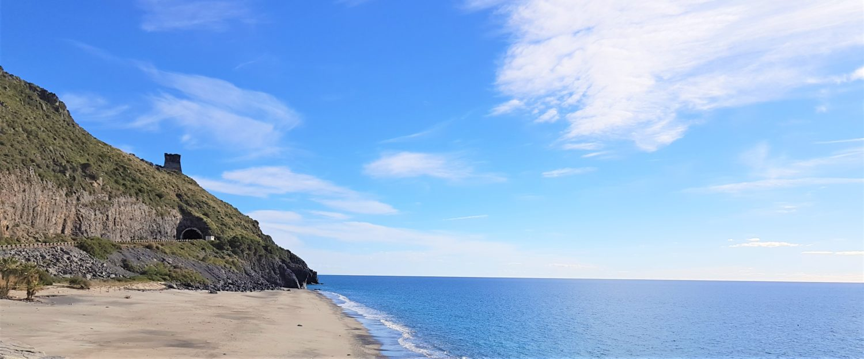 Spiaggia del troncone a Marina di Camerota, la spiaggia dei naturisti cala finocchiaro