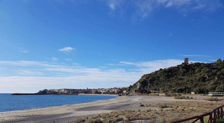 Spiaggia di Lentiscelle a Marina di Camerota imbocco sentiero della masseta e degli infreschi il cilentano cilento