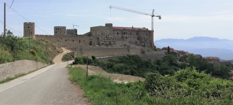 castello medievale di rocca cilento il cilentano.jpg