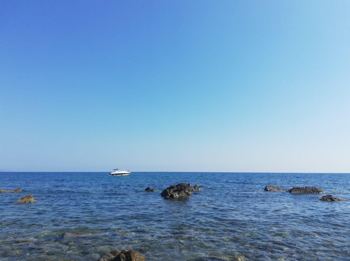 discesa a mare fossa dell'elice casalvelino pioppi, il cilentano cilento spiagge cilentane.jpg