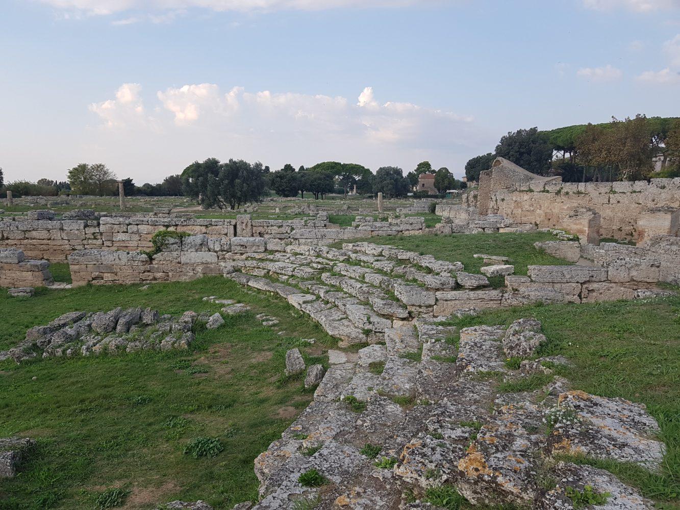 Comitium o comizio di PaestumScavi di Paestum, parco archeologico di paestum experience Il Comitium