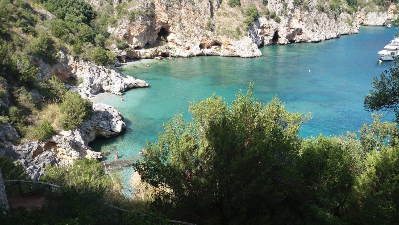 la spiaggia spiaggia di baia degli infreschi, marina di camerota scario (1)