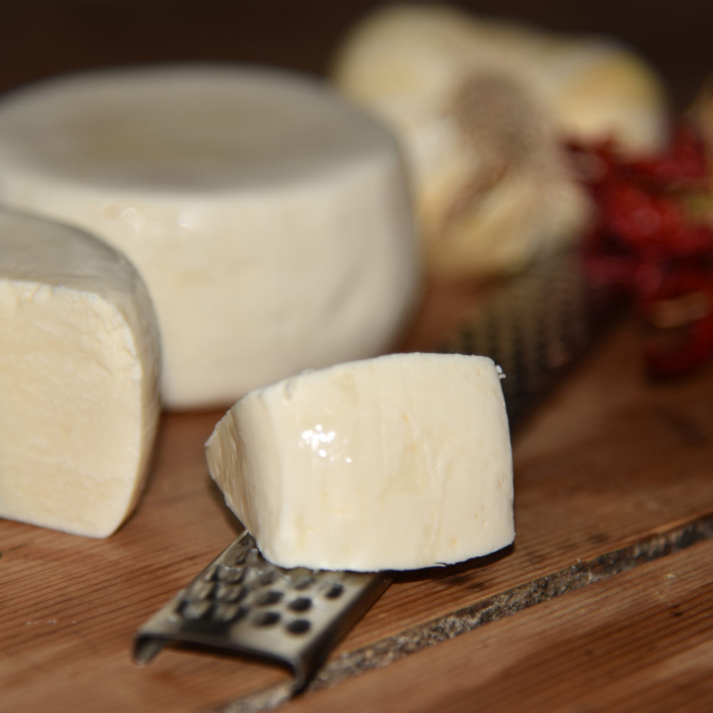 lostagionato-formaggio-caprino-del-cilento-tenuta-principe-mazzacane