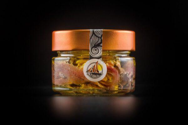 Pezzetti di alici di menaica il olio extravergine di oliva presidio slow food