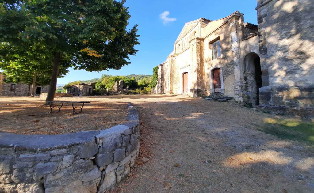 roscigno-vecchia-paese-museo-borgo-fantasma