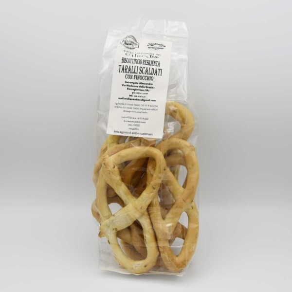 taralli-scaldati-con-finocchietto-biscottificio-resilienza