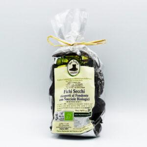 fichi-secchi-ricoperti-di-cioccolato-fondente-con-nocciole-biologiche
