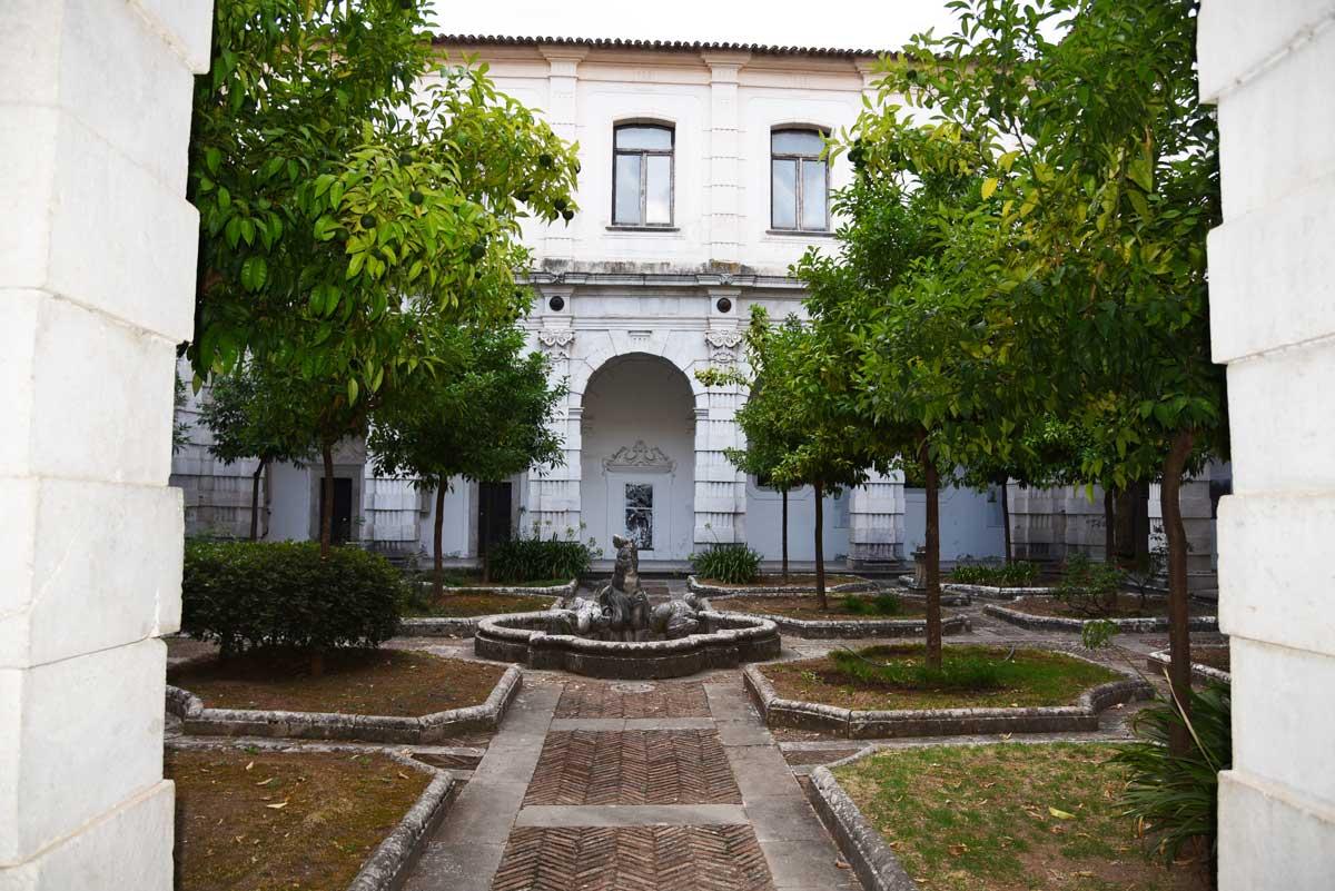 Chiostro-della-biblioteca