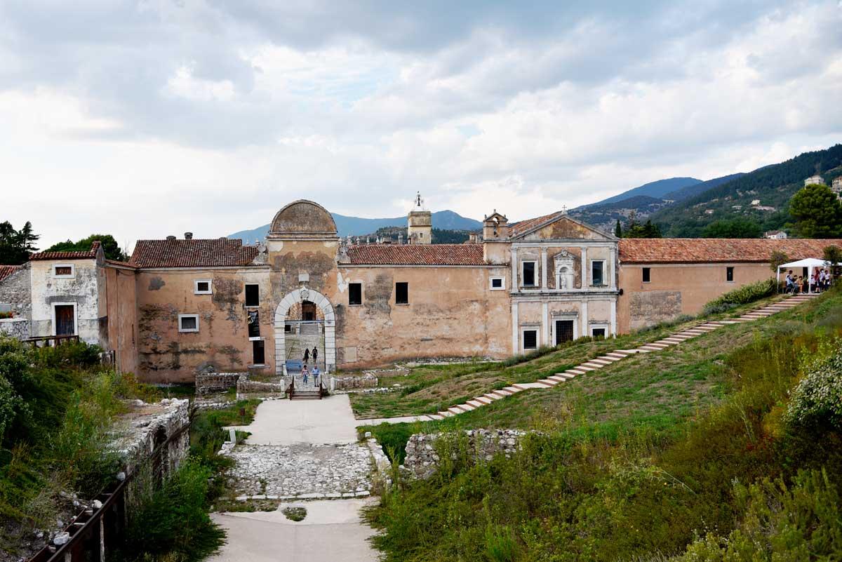 Ingresso-Certosa-di-san-Lorenzo-Padula